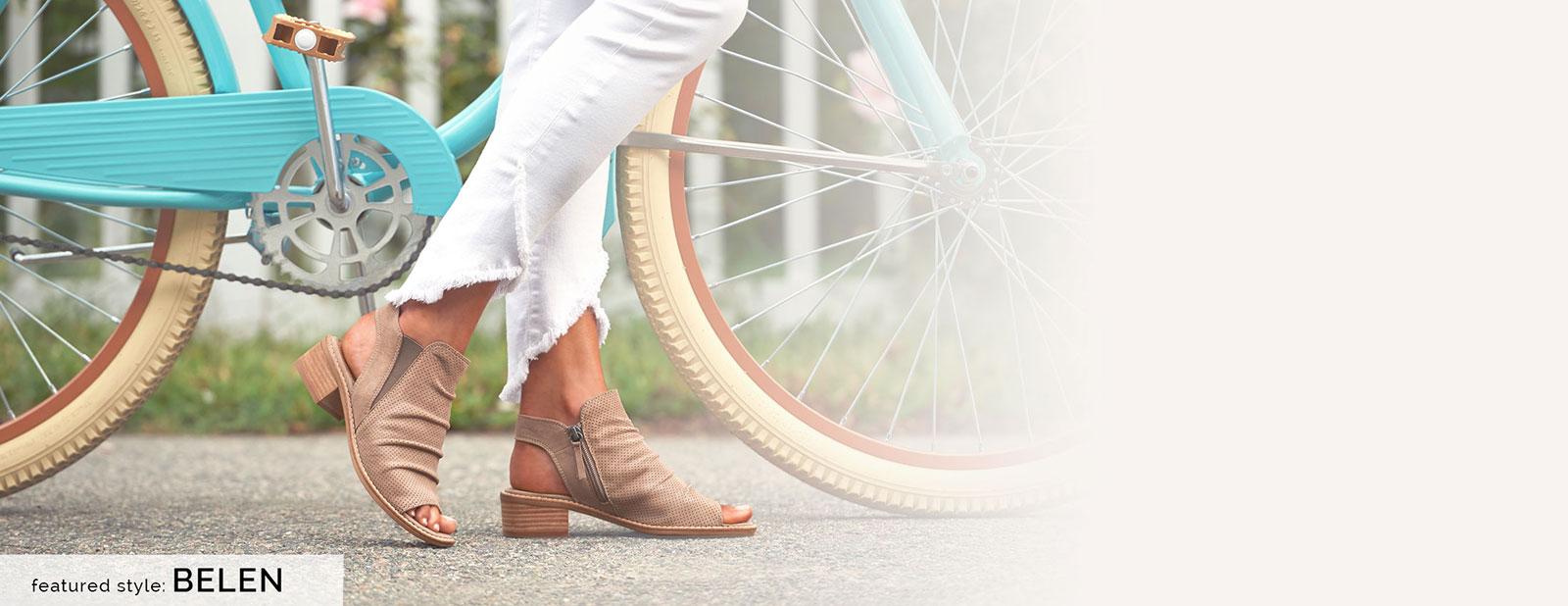 Featured style: Belen sandal in grey